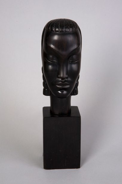 Nina Saemundsson – Untitled (Head of a Woman – Black)